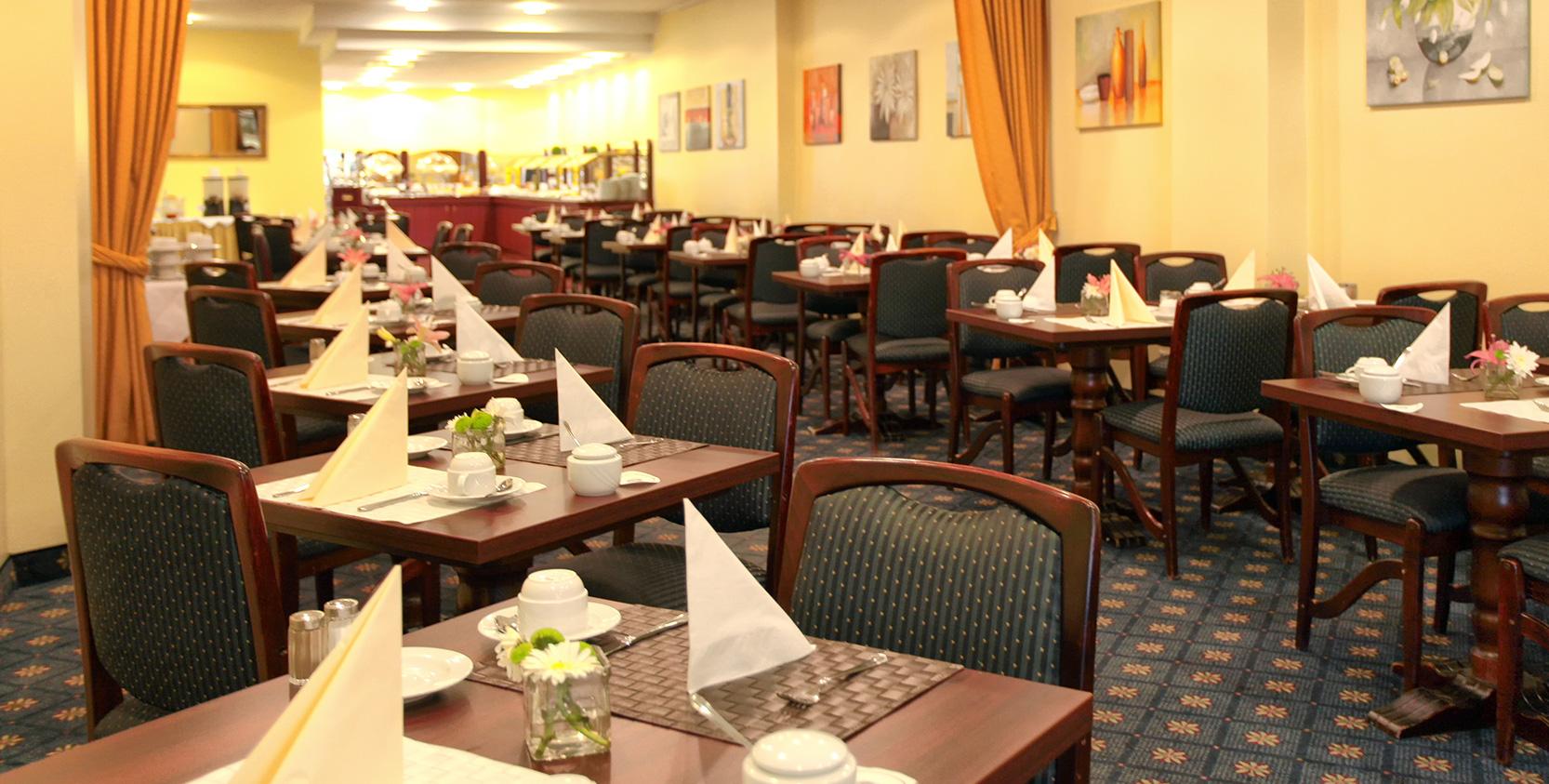 savoy-restaurant-04.jpg